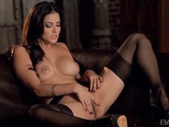 Красивое соло красивой девушки Sunny Leone
