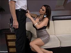 Официант трахает Aletta Ocean в VIP зале