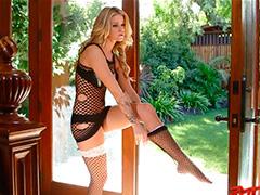 Блондинка Jessa Rhodes в сетчатом белье