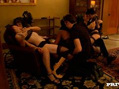 Светская вечеринка в приватном клубе