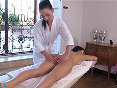 Возбуждающий интимный массаж