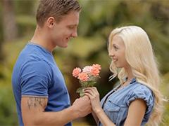 Романтическое свидание на открытой веранде