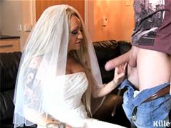 Невеста сосет и трахается с ремонтником кухонных плит