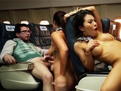 Азиатские стюардессы шалят с пассажирами