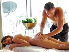 Кончил на ножки после расслабляющего массажа