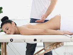 Волнующий массаж для эротичной очаровашки