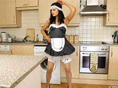 Голая танцующая домохозяйка