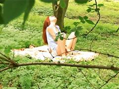 Лесной отшельник вдул рыжей нимфе