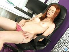 Горячий оргазм рыжей девушки
