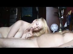 Жадный сосач опьяневшей блондинки