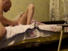 Белокурая Лиза из Тюмени тайно кувыркается с соседом в постели