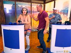 Участники телешоу оказались слишком горячими и сексуальными