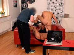 Блондинка снимается в порно фильме
