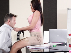 Уединились с коллегой в офисе