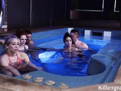 Секс в бассейне со шлюхой