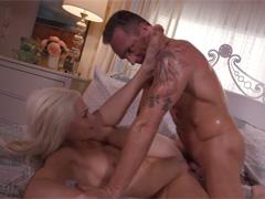 Бурный секс с белокурой красоткой