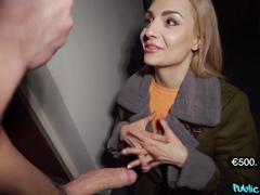 Русская Наташа за пару шекелей отсосала незнакомцу